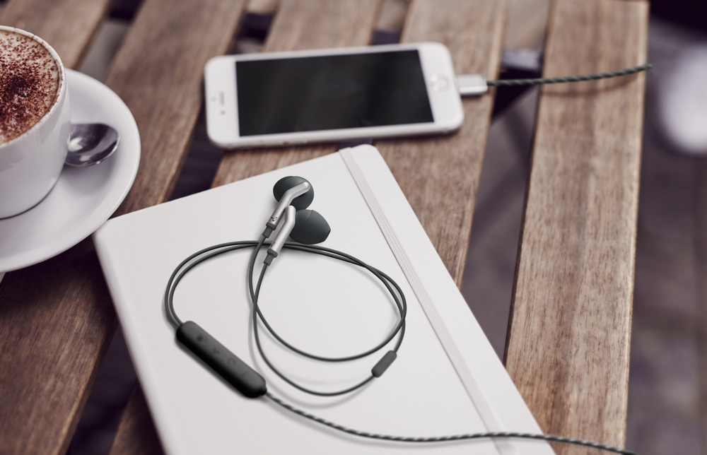 Libratone med Lightning In-ear headphones