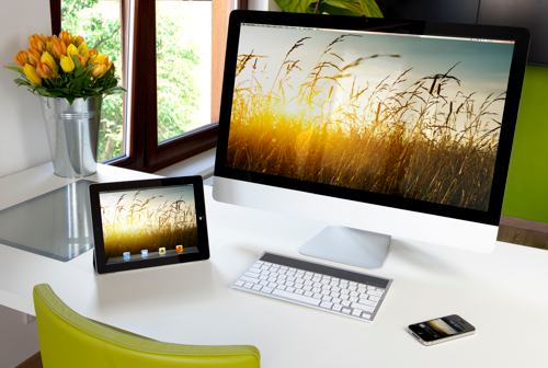 Nytt Logitech tastatur kobler seg mot iPhone, iPad og Mac samtidig