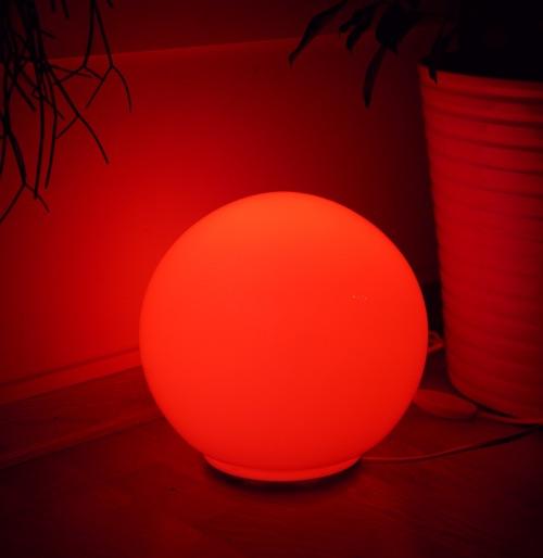 d76cdcfe58b Det vanskeligste med Hue er egentlig å venne seg av med å bruke  lysbryterene i huset. Det er en vane som sitter langt inne i fingerspissene  og hvis man bor ...